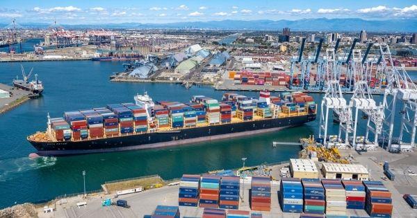 Các kỷ lục mới về sản lượng container được thông qua tại cảng Long Beach của Mỹ