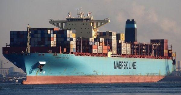 Tàu Maersk Eindhoven đã đến Yokohama và đang chờ cập cảng