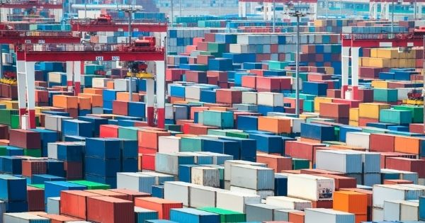 FMC intends to require carriers to refund the unreasonable demurrage and detention charges to shippers