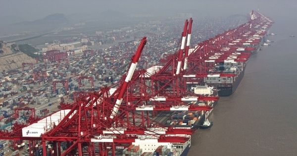 Container throughput at major Chinese ports rose 10.8 percent at the end of March