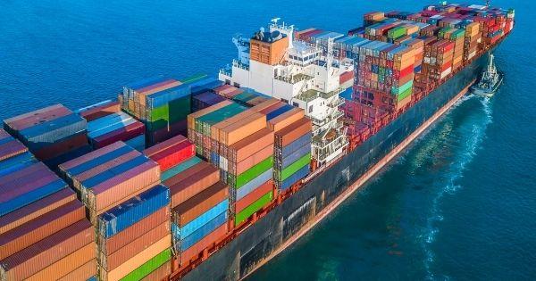 cuoc-van-chuyen-container-tuyen-A-Au-tang-ky-luc