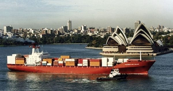 full container ship - Columbus New Zealand