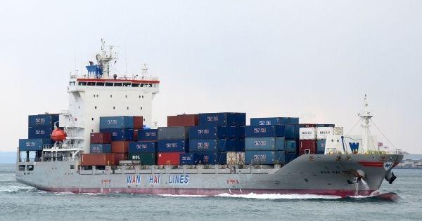 tau-container-hang-tau-Wan-hai-lines